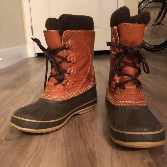 5db717a27d6 L.L. Bean Shoes - Women s LL Bean Leather Snow Boot - size 7